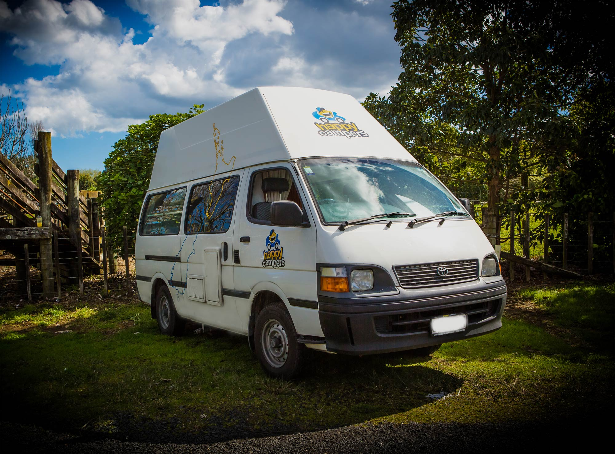 Mercedes Sprinter Rv >> Cheap Campervan Hire NZ: Happy Campers